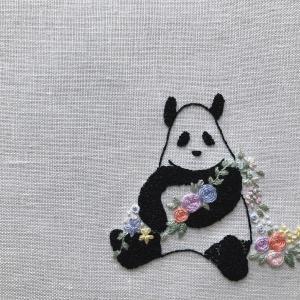 パンダと小花の刺しゅう【動画あり】