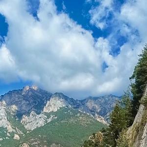「アンドラ公国」ピレネー山脈 スペインとフランスに挟まれた美しき極小国家