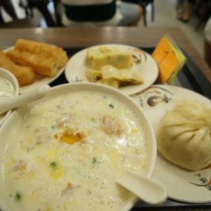 【台湾旅行】鼎元豆漿で台湾式朝食の鹹豆漿と小籠湯包を食べましょう