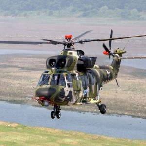 兵士は地雷原を徒歩で突破? 韓国軍、トラブルや予算不足で「ヘリコプター戦力」が崩壊寸前