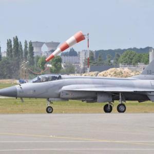 再掲載|激安の第4.5世代機誕生、中国がJ-20の技術で「JF-17」を改良