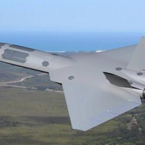 過熱する開発競争、米空軍のステルス無人機「XQ-58ヴァルキリー」にライバル登場
