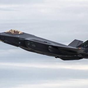 露メディア、第5世代戦闘機「Su-57」が米国のF-22やF-35より優れている理由