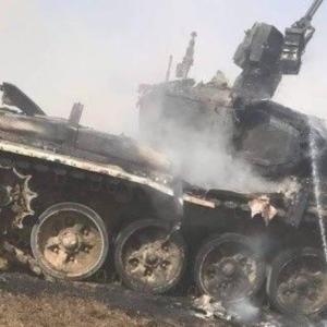 ロシア、演習で発射した対戦車ミサイルが自軍のT-90Aに命中して大破