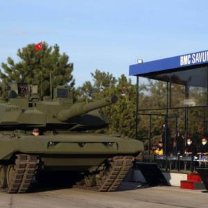 トルコ、レオパルト2とアルタイを合体させたハイブリッド戦車を披露