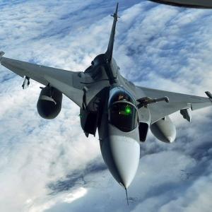 市場での競争力維持が困難なグリペン、F-16Vと中古戦闘機に挟まれ強みが色褪せる