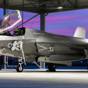 英国防相、ミーティア統合作業が遅れればF-35B発注を延期すると米国やLMに警告