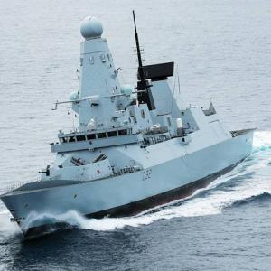 既存の海上戦力は今後優位性が失われると主張する英海軍、センサーとシューターに分離された艦隊を要求