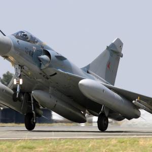 インド空軍がフランスから中古のミラージュ2000を24機取得、勿論スペアパーツの確保が目的