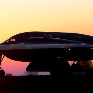 米空軍は大型爆撃機が足りない?ステルス爆撃機「B-21」追加調達、B-1、B-2退役延期を求める