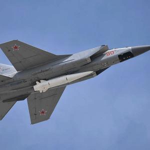 実戦配備が進むロシアの極超音速兵器、マッハ10で飛翔する極超音速ミサイル「KH-47M2」公開