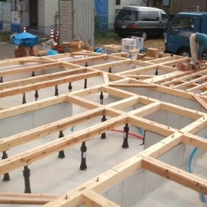 土台敷き込み作業と基礎断熱のメリット