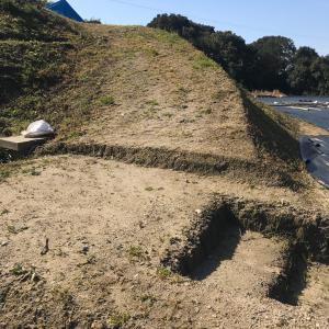 ブルーベリー観光農園に設置する予定の丸太階段を1段作りました