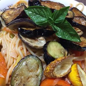 珍しい野菜作り 台風前に菜園の野菜を出来るだけ収穫しました。菜園野菜の恵みパスタです。