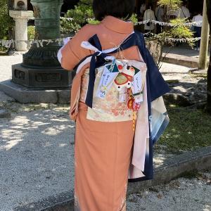 昨日は大安の晴天でした。氏神様「今宮神社」にお宮参りに行きました。