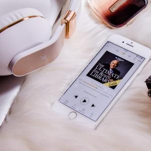 アマゾンオーディオブック(AmazonAudioBook)オーディブル(Audible)とは何?口コミや評判は?1つのデメリット、6つのメリットも合わせて解説!