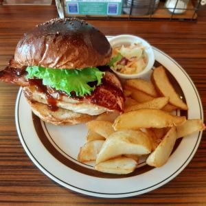 札幌北区ランチでハンバーガーを楽しめる【ジャクソンビル/Jacksonville北24条店】をブログで紹介!