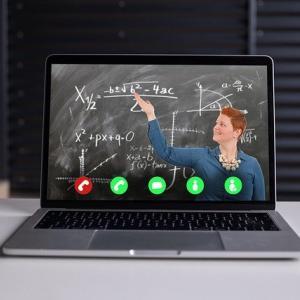 感染対策とオンライン授業の移行はどちらが安いのか?