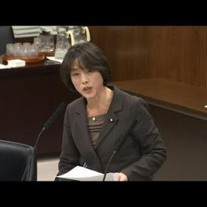 桜を見る会 昭恵枠 に何が? Facebook に昭恵夫人と内閣参事官の写真