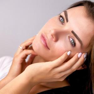 35歳を過ぎたら年齢に合った肌ケアはとても大切。
