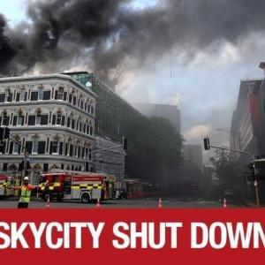 ニュージーランド オークランドの中心部 スカイシティ コンベンションセンターで大規模火災発生!