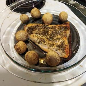ニュージーランドのスーパーマーケットで買える魚を紹介します(^^♪ ニュージーランドのサーモンステーキはお勧めです!
