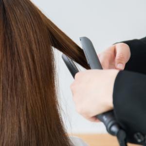 縮毛矯正を長持ちさせる方法とクセが出てきた時の対処法