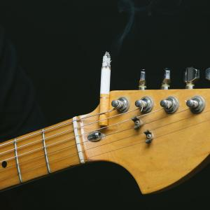 【面白い話】日本に3本しかないギターの秘密