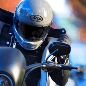 2020年の世界のレトロヘルメットを牽引するヘルメット2強!