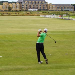 【5選】ゴルフスイングで腰を回して打つためのコツは?
