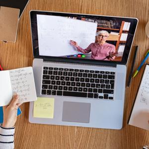 オンライン家庭教師ではどんなソフトを使うの?使い方で困らない方法も解説!