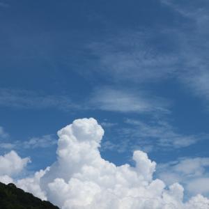 9月なのに、真夏の空