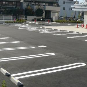 「我が家の駐車場を無断で使う迷惑女。警察に通報したら、まさかの逆ギレを始めて...」(岩手県・20代女性)