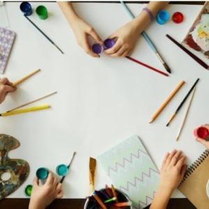 小学校のいじめ調査報告書が流出 図工授業で用紙切り貼りに使用