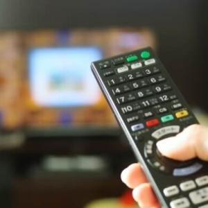 「朝の情報番組の占いコーナーを廃止して」という訴えに「チャンネル変えれば?」などもっともな指摘相次ぐ