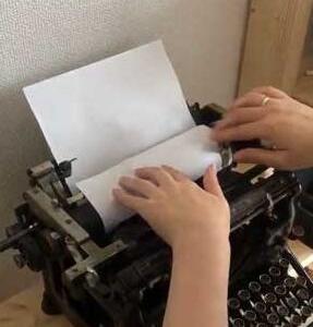 ジャンク品のタイプライター、餃子屋さんが修理したら直った話に驚きの声 入手のきっかけは「ヴァイオレット・エヴァーガーデン」