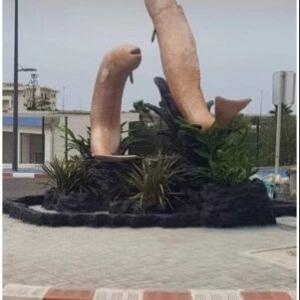 完成間近だった魚の彫像 「卑猥だ」と苦情が相次ぎ取り壊される(モロッコ)