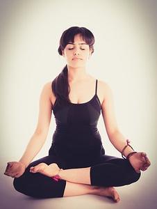 「目を閉じて呼吸に集中するだけ」ストレス軽減法9
