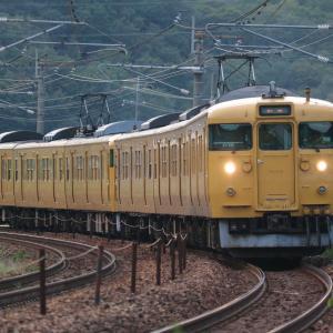 おはようございます☀️幸せ運んで下さい✌️イエロー電車