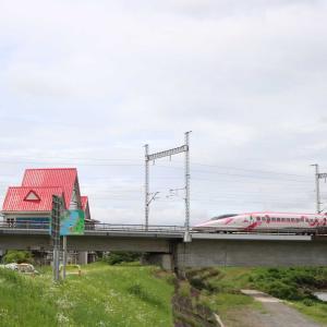 おはようございます☀️キティ新幹線🚄