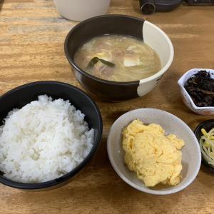 中華食堂十八番で和食を朝からいただきまーす!