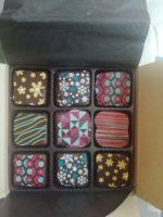 チョコレートに貼るシールが売ってるなんて知りませんでした。