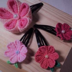 【つまみ細工】可愛い小花のパッチン止め お雛祭りや普段使いにも出来ます。