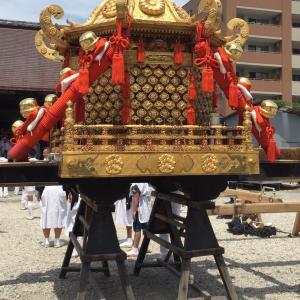 京都 今宮神社の今宮祭り 5月12日 御神輿が御旅所から神社へおかえりです。