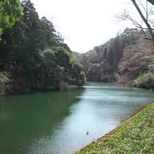 鎌倉湖と東慶寺
