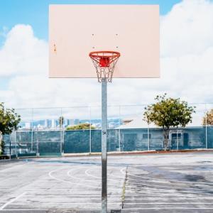 バスケができる公園をもっと増やして欲しい(自由にバスケできる体育館も増やしてほしい)