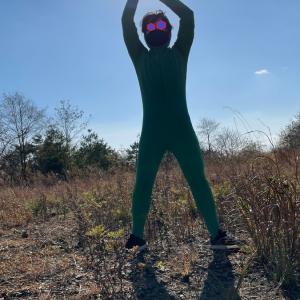緑の全身タイツでかくれんぼしたら保護色になるのか?(ボツネタシリーズ)