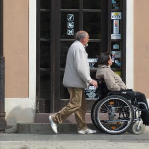 高齢化社会の推移を見たら日本はとんでもないことになってる。