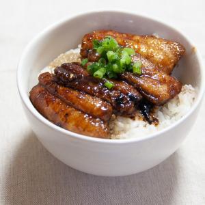 【ひとりごはんレシピ】フライパンで作る太刀魚の蒲焼き丼