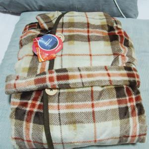 【レビュー】アイリスオーヤマ着る毛布fondanFDRM-054を購入!使ってみた感想を暴露します!